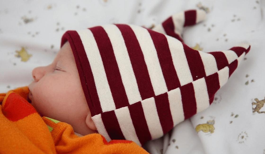 proteja su cabecita del sol como forma para vestir a un bebe