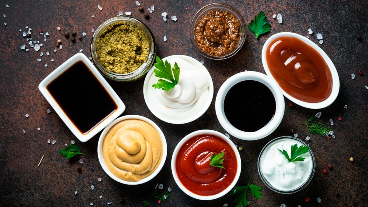 recetas de salsas para acompañar hamburguesas caseras