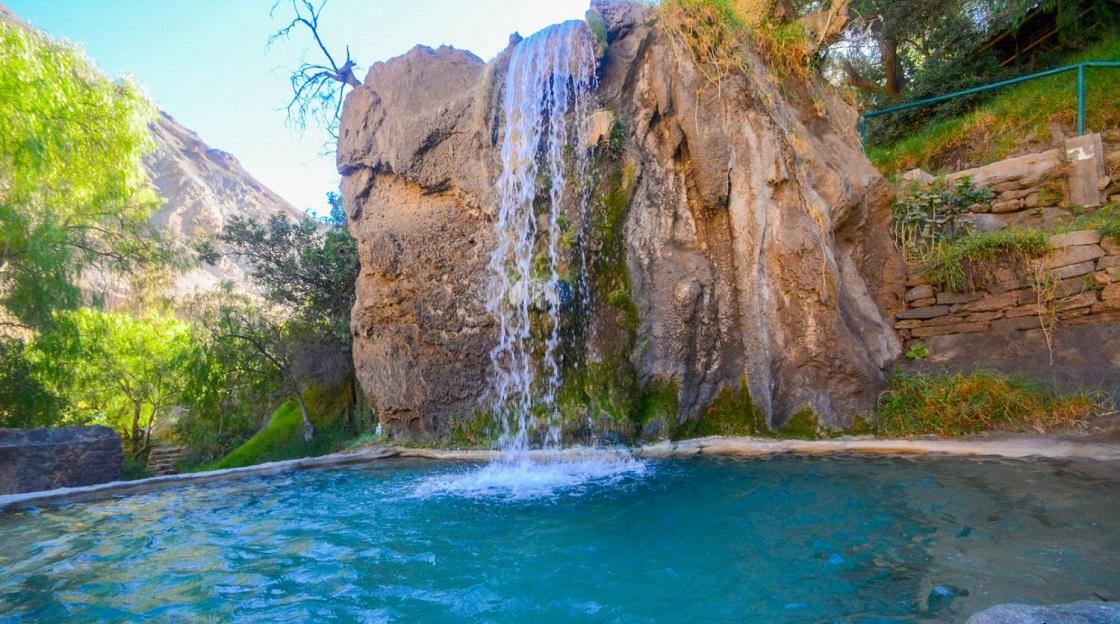 Las maravillosas aguas termomedicionales a unas cuantas horas de viaje.