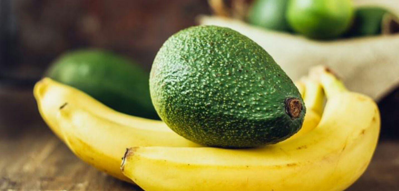 palta y plátanos