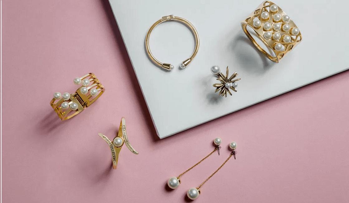 7 consejos para comprar joyas de oro como regalo a una mujer