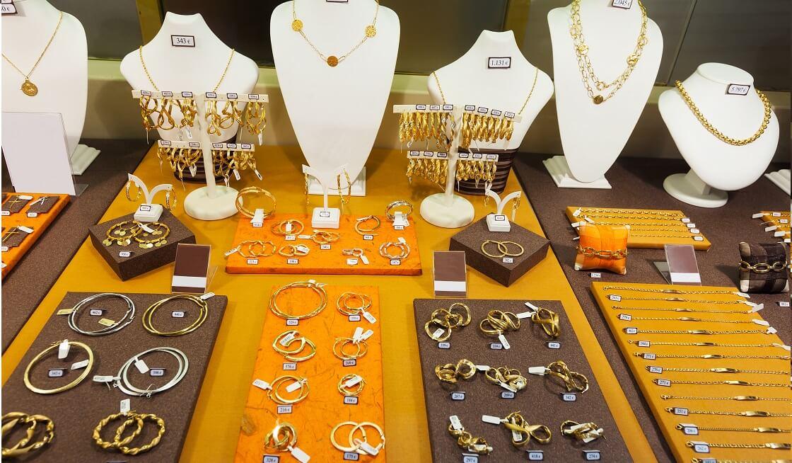 elegir el tipo de joya anillos cadenas pulseras o aretes (1)