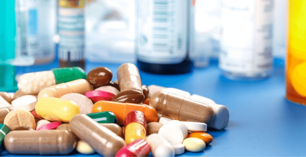 pila de medicamentos