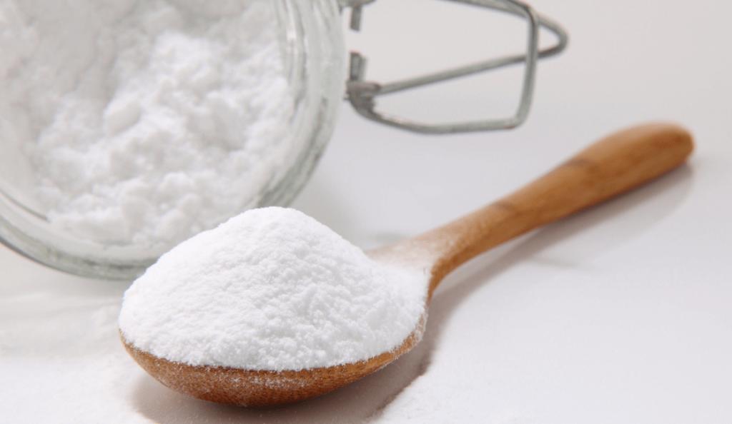 bicarbonato de sodio en una cuchara