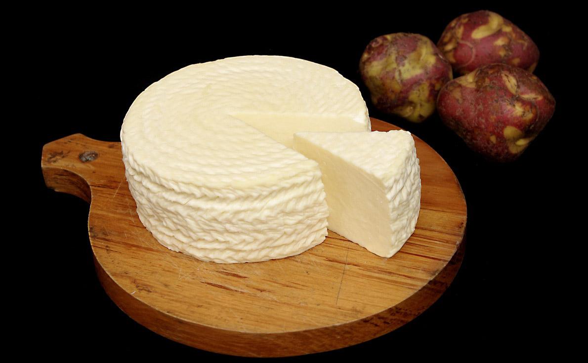 queso paria con papas peruanas