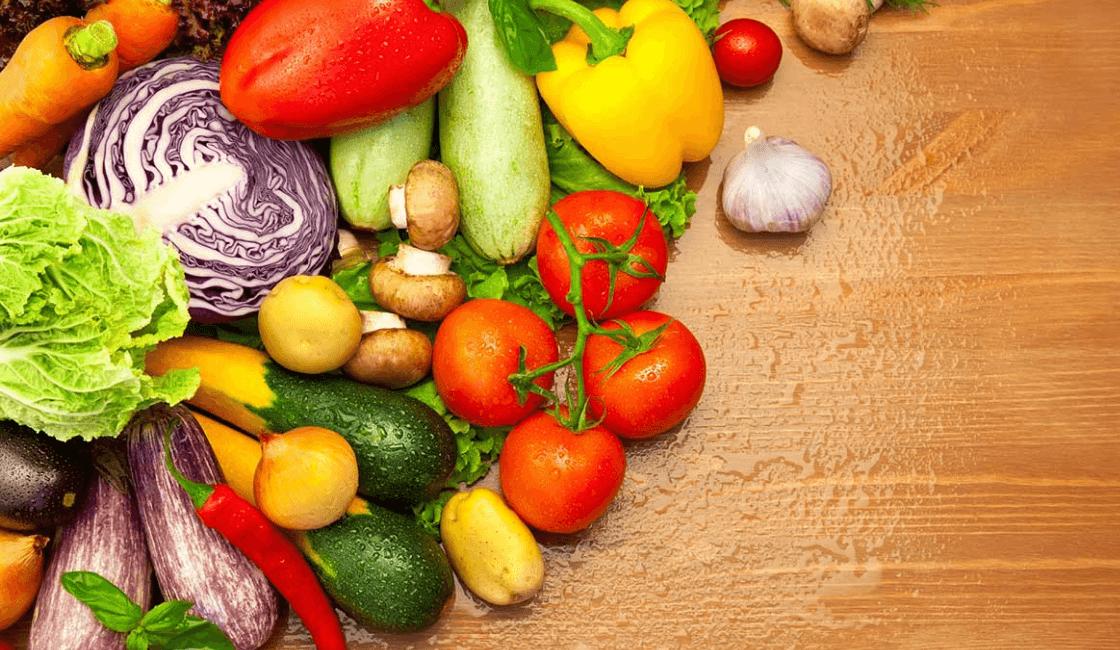 mesa en vegetales orgánicos
