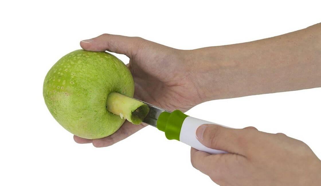 utensilio de cocina descorazonador de manzanas