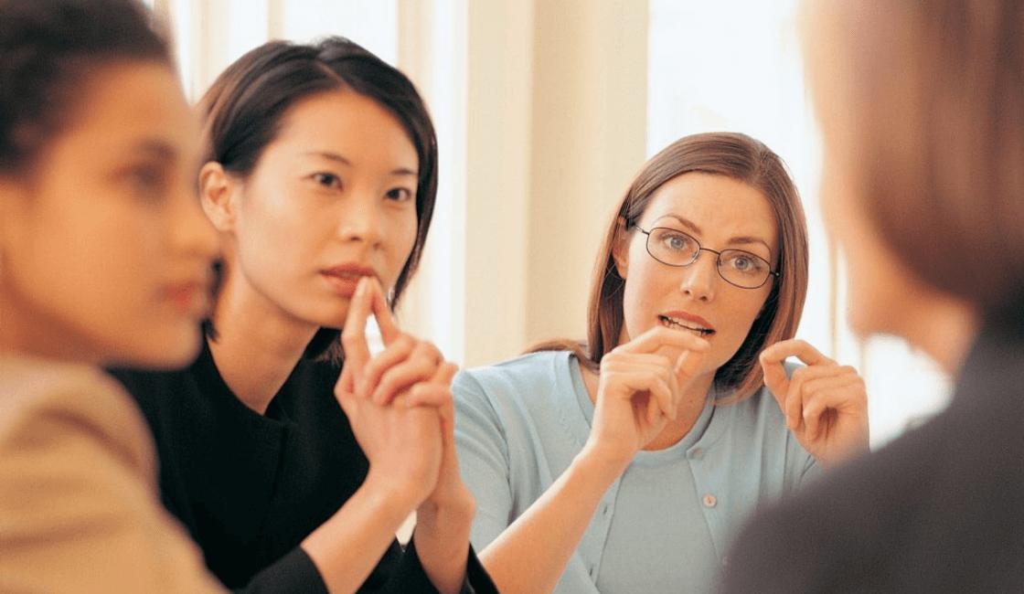 emplee la escucha al momento de estar emprendiendo un negocio