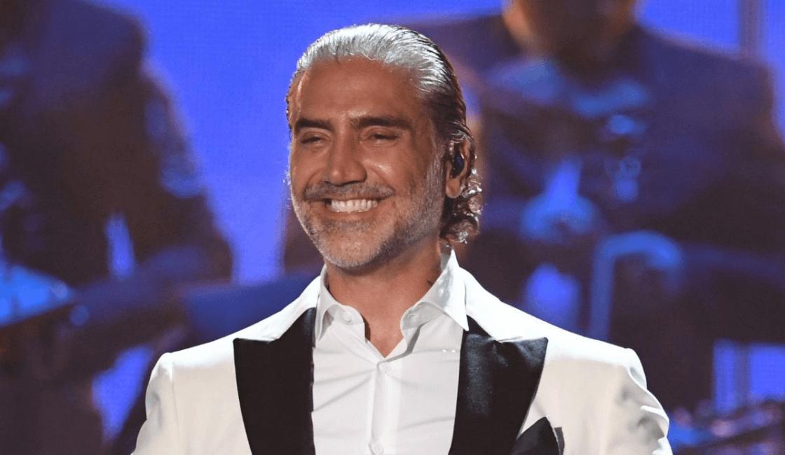Alejandro Fernández : Entre los mejores artistas mexicanos