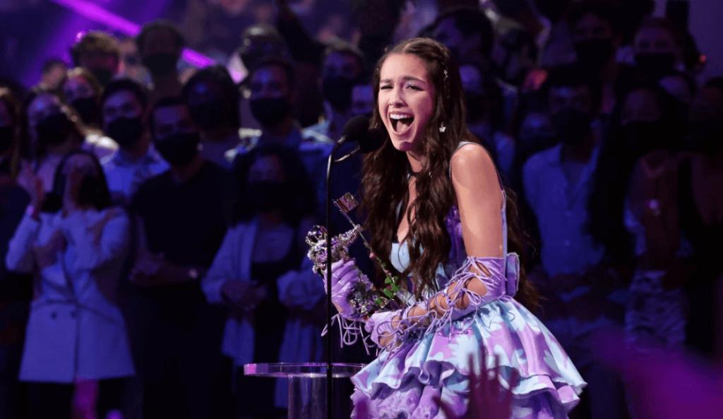 Resumen y Ganadores de los MTV VMAs 2021